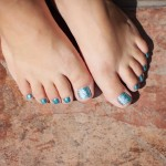 This-is-what-the-finished-PAVÉ-Crystal-Pedicure-in-Aqua-looks-like.